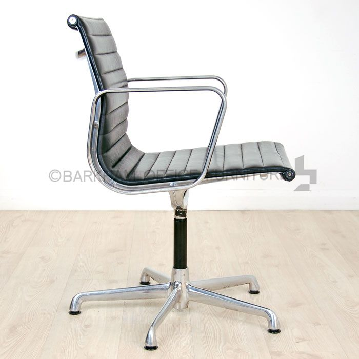 Charles Eames Leather Meeting Chair | Black Leather Chair | Chrome Frame  Chair